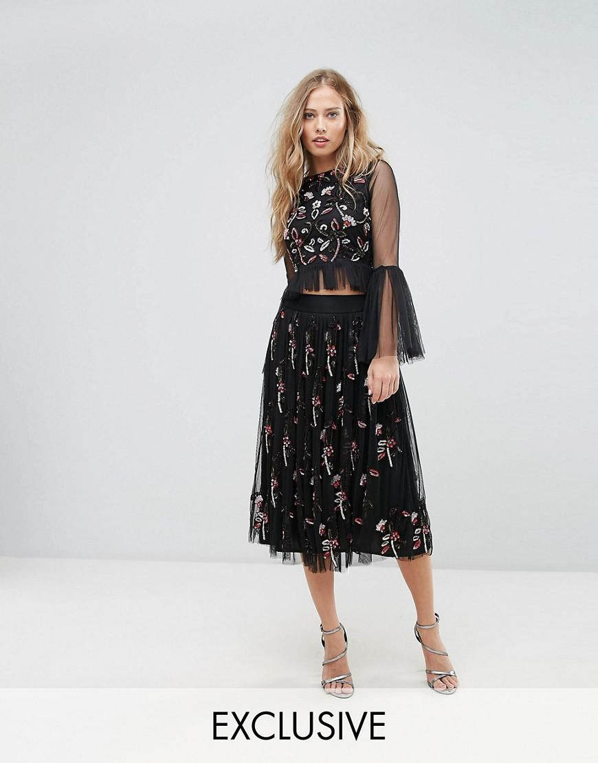 lace & beads midi skirt in 3d embellishment