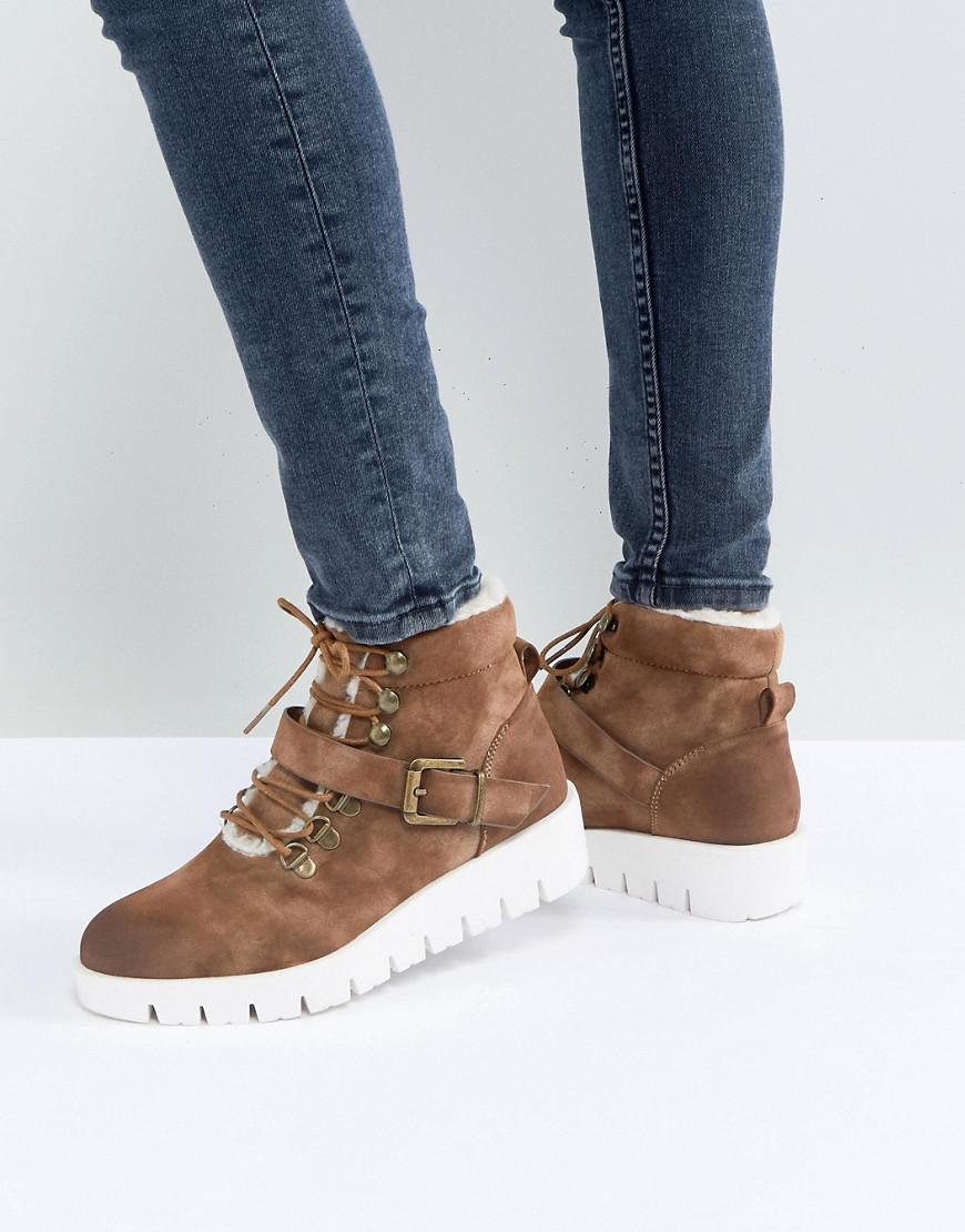 pieces hiking boots
