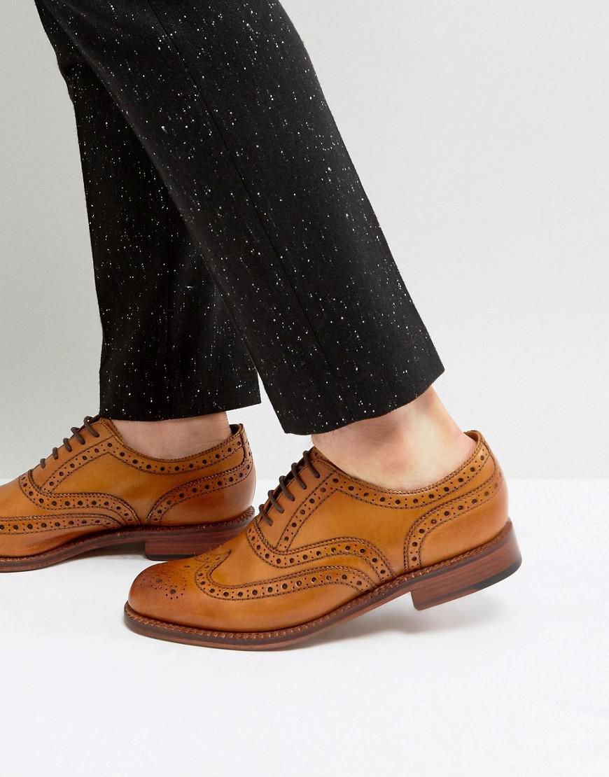 grenson stanley brogue shoes in tan