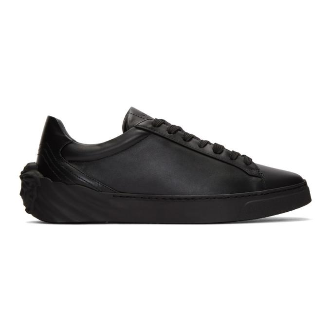 black back medusa head sneakers